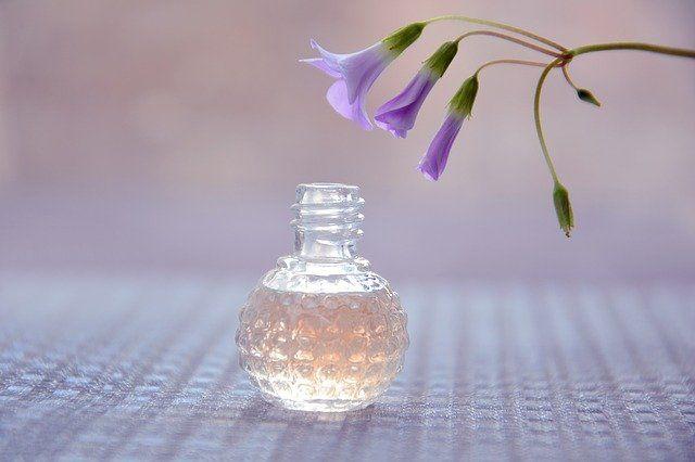 婚活における匂い対策【体臭・口臭】 香水の匂いについて