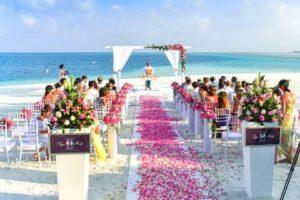 結婚式場を予約する際の節約術【ハナユメ】夏冬の結婚式ってどうなの??
